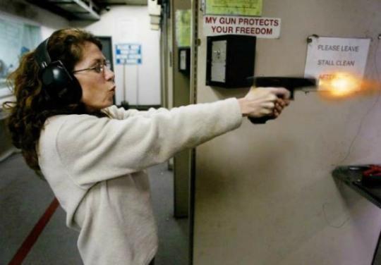woman-gun-practice